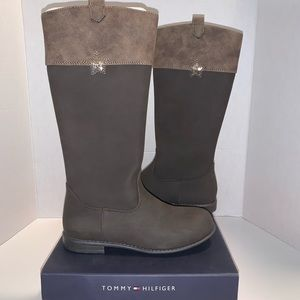 NWT Tommy Hilfiger boots 👢new